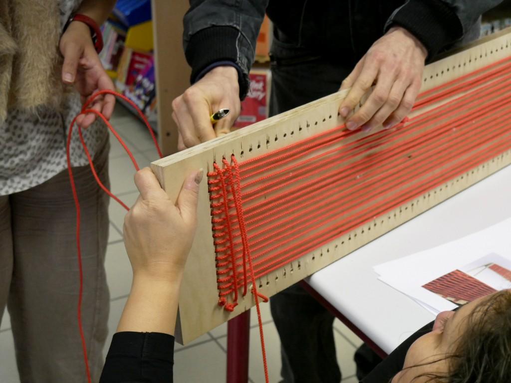 design-revalorisation-assemblage-tissage-portemanteaux-leabarbier-1